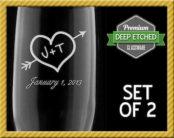 Personalized Toasting Flutes, Wedding Gifts, Heart and Arrow Champagne Flutes for Bride and Groom, Set of 2