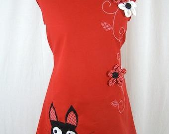 Robe Sadako red black cat and flowers in relief