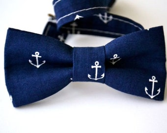 Boys Bow Tie, Navy with White Anchors, Kids Bow Tie, Nautical Wedding, Beach Wedding, Ring Bearer Bow Tie, Wedding Bow Tie