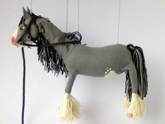 Clydesdale grauen Pferd Marionette Pferd Pferd Marionette