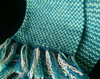 Women's Knit Scarf in Linen Stitch