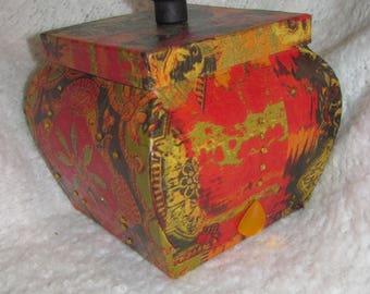 Nice Oriental shape India inspired box