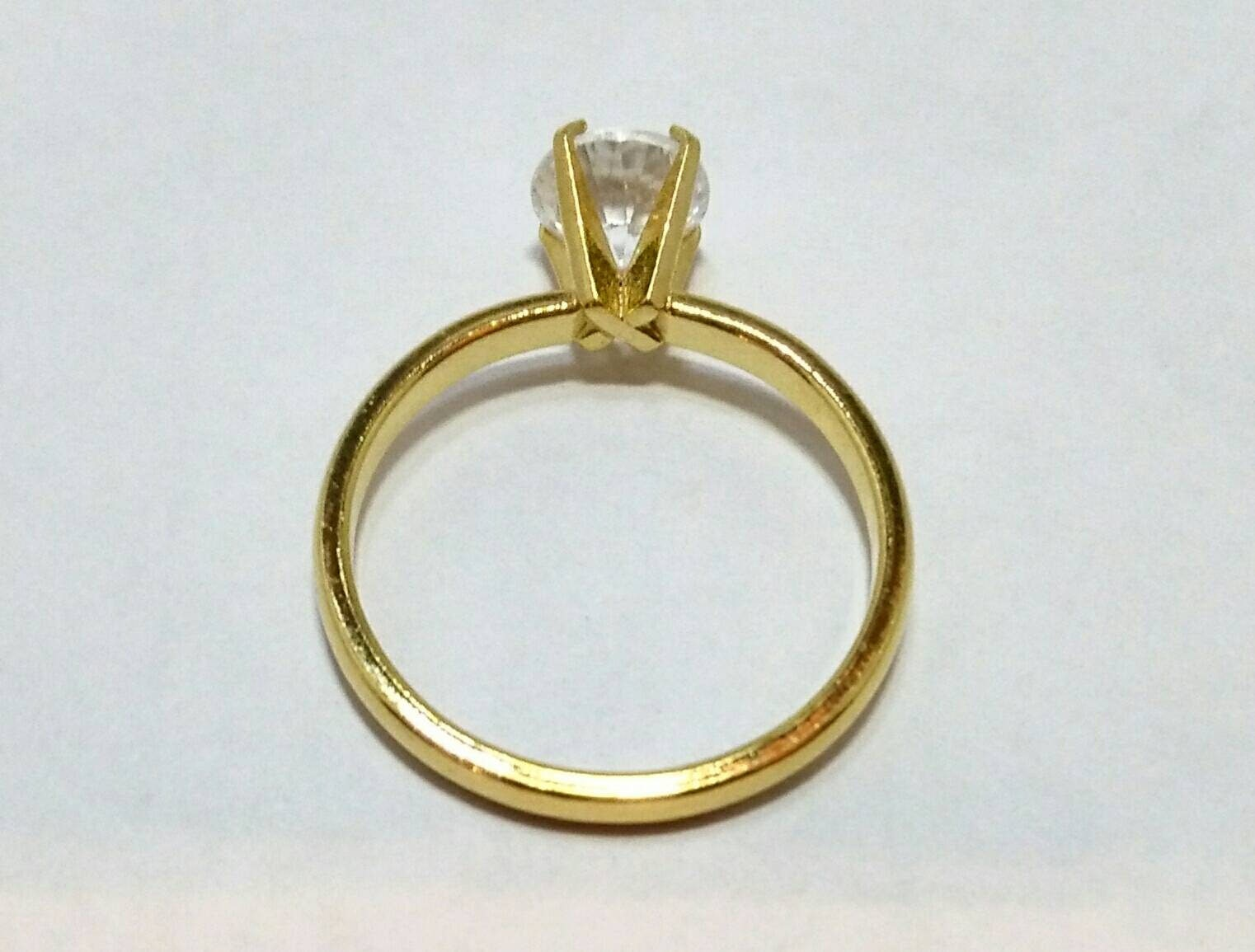 Fabulous Vintage Solitaire Ring, Engagement Ring, Wedding Ring, 14KT HGE  WY94
