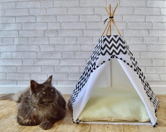 Cat teepee, Cat bed, Cat cave, Dog teepee with cushion - chevron - black & white