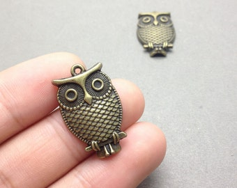 10 pcs of Antique Bronze Lovely Owl Pendants Charms 18mmx28mm