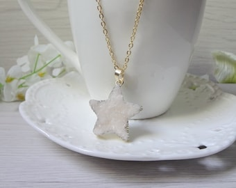 white star Druzy Necklace, Winter Jewelry, Gift for Her, Raw Crystal Necklace 804