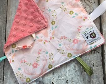 baby 'Rikiki' blanket, pink deers and flowers, coral minky