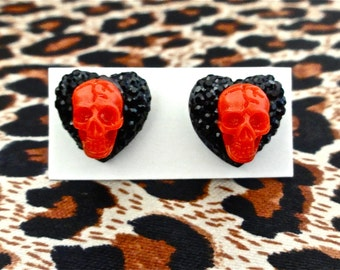 Psycho Love Skulls and Hearts Earrings - Raging Red - Psychobilly - Punk - Retro - Goth