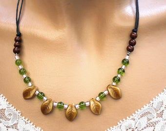 Vegetable necklace 5 caramel glass leaves