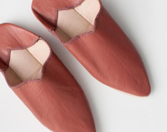 Women's Leather Slippers || Traditional Moroccan Pointed Babouche || Dyed With Natural Colour || Terracotta