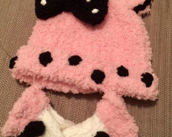 Baby girl mouse hat and mitts