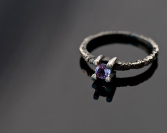 Gift for her - XS Amethyst Ring - Modern Black and Purple ring - Sterling Silver and Amethyst Ring