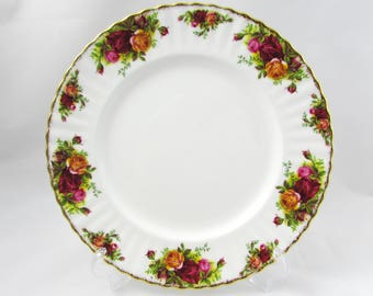 "Royal Albert ""Old Country Roses"" Dinner Plate, 10.25 Inches, Vintage Royal Albert"