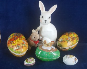 Lot of vintage Easter items