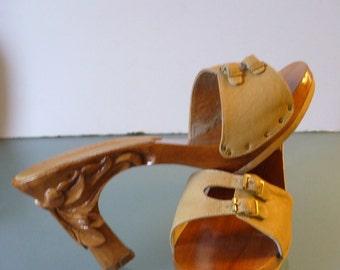 Karvings Wooden  Sandals Size 7