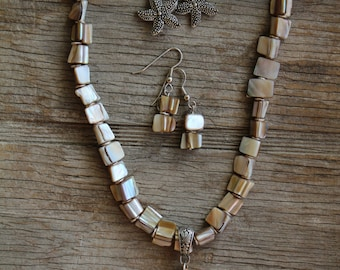 Beachy Shell Necklace Set