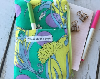 Ready to  ship, Inspiration Trust in the Lord Happy Planner pouch, planner organizer, daily planner pouch, zip bag, journal cover pouch, pla