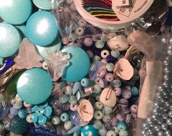 Perle bleu & blanc soupe perles cabines Cabochons verre Lucite fleurs acryliques Perles Agate mère de nacre Mix Destash beaucoup en laiton argenté