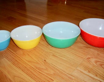 Set of  4 Vintage Pyrex Nesting Mixing Bowls Primary Colors Red Blue Yellow Green