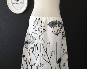 Sample SALE - Will fit Size S/M - Ready to MAIL - A-line SKIRT - Heavy Weight - White and Black - by Boutique Mia