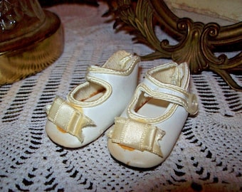 Vintage Doll Shoes White with Bow