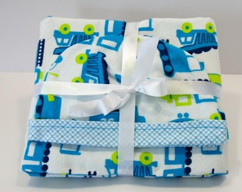Baby Gift Set Blanket and Matching Reversible Hat with Construction Theme