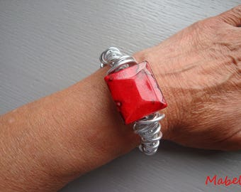 UNIQUE red wedding, marbled red square bead, silver, aluminum Wire Bracelet