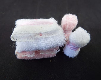 1/12 Scale Dollhouse Towel Bale, Pink
