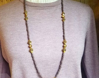 Handcrafted - beaded- pearl- necklace- mauve- gold tones