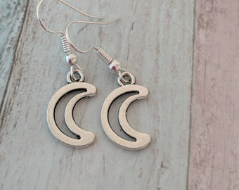Moon earrings, pagan earrings, crescent moon earrings, Wicca earrings, wiccan earrings, witch earrings, goth earrings, goth jewelry,