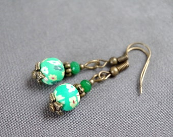 Rustic earrings dyed green and flowers.