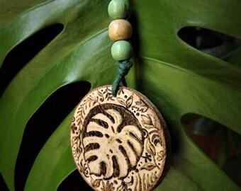 Monstera leaf keychain
