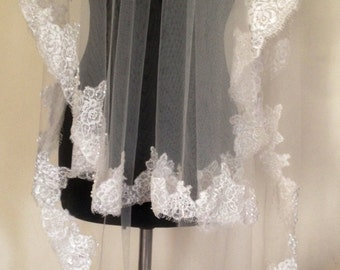 Chantilly lace veil, embroidered lace wedding veil, ivory lace veil, ivory veil, lace veil.