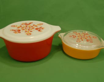"Vtg Pyrex ""Friendship"" 1.5 qt Casserole #474 w/ Lid 24 C-16 and 1 pt Casserole #471 w/ lid 470 C Doves Flowers Red Orange Made in USA"