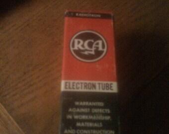 Vintage NIB RCA radio tube