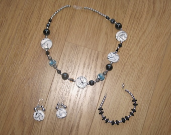 Set of white / black / silver / turquoise