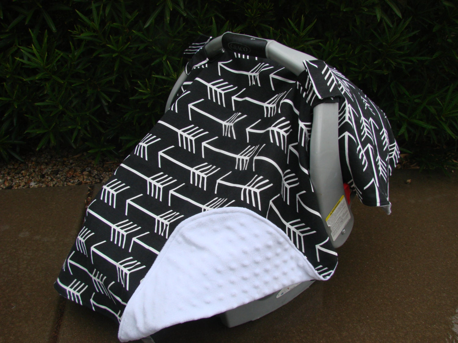 ?zoom & Baby Car Seat Cover Baby Car Seat Canopy Black and White