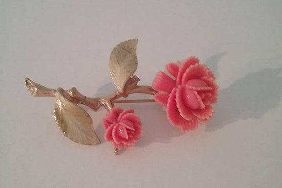 Vintage Pink Roses Brooch, #VintagePinGift, Vintage Resin Pink Roses Pin, Delicate Rose Brooch, #buyVintage, Mother's Day, Pink Roses Pin,