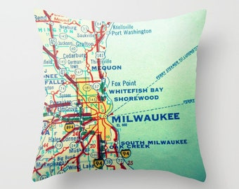 Custom Wisconsin Pillow Cover, Wisconsin Home Custom WI Map Throw Pillow Covers 18x18  Wisconsin Gifts  Milwaukee Wisconsin Pillow Green Bay