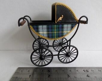 1:12th Baby Pram for the Dolls House(Tartan & Black leather)