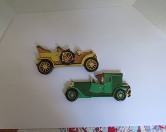 Rare and Unique Vintage 1977 Dart Ind Homco Pair of Early Automobiles Wall Plaques Yellow Green Man Cave Wall Decor  2287