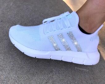 adidas originals swift run sneakers in cream with white stripe nz