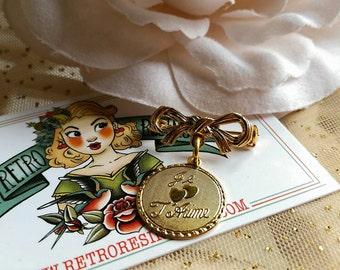 Je 't mie brooch // Vintage gold charm brooch