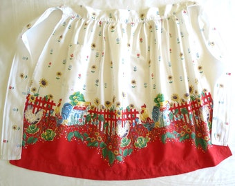 Vintage Half Apron,  Kitchen Half or Waist Apron, Country Farmhouse Cotton Print w Roosters, Chickens and Sunflowers, Vintage Linens