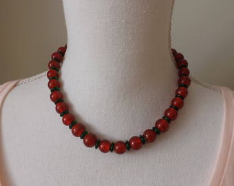 Christmas necklace, collar necklace, red and green necklace, festive necklace, Xmas jewellery, Noel jewellery, Christmas wear