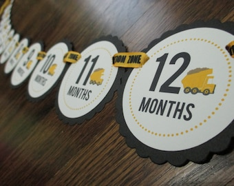 Can you DIG it Collection: Just Born/0-12 Mos Construction Photo Banner. First Birthday Picture Banner. Photo Banner. Dump Truck.