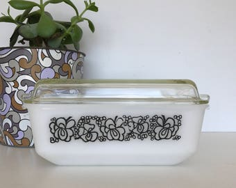 Agee/Crown Pyrex Large Casserole Dish 'Clover' Pattern Floral Bubbles