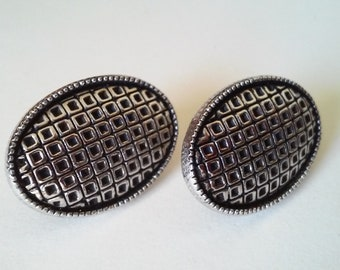 Vintage Black and Silver tone Geometric Oval Judy Lee Clip on Earrings
