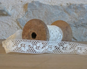 Vintage lace trim - French net lace - narrow off-white lace by the metre