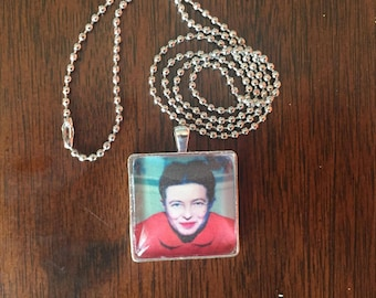 Simone de Beauvoir portrait pendant necklace